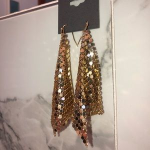 Express Jewelry - ✨NEW Express gold dangle earrings✨